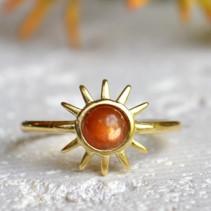 sunstone_ring_jewelry_crystal_pairing