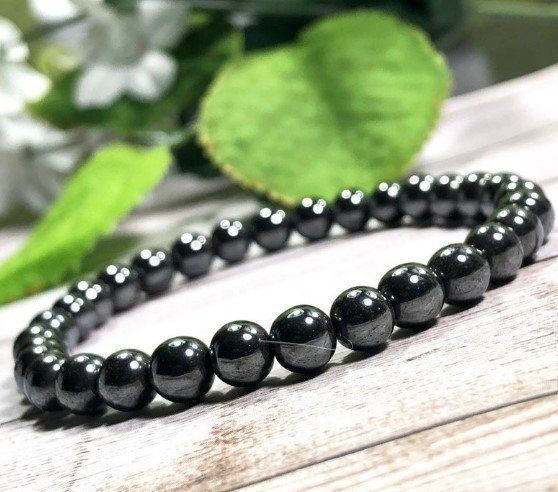 hematite-protection-beaded-bracelet
