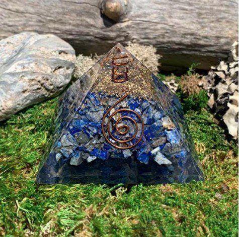 lapis lazuli orgone pyramid fluorite pairing