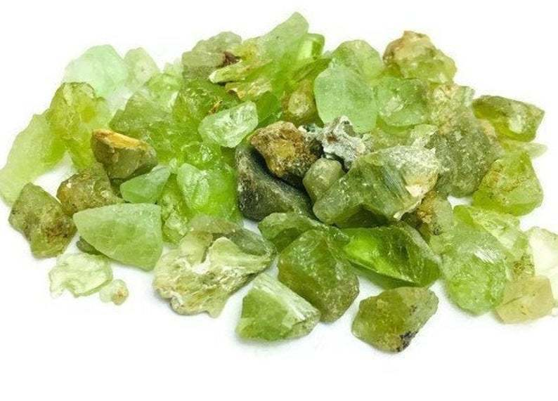 raw_peridot_crystals_to_attract_money
