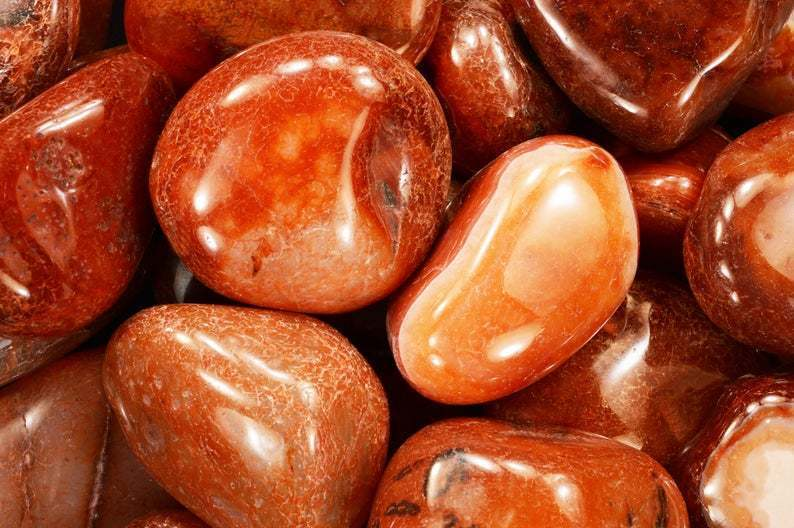 red_agate_for_attracting_love