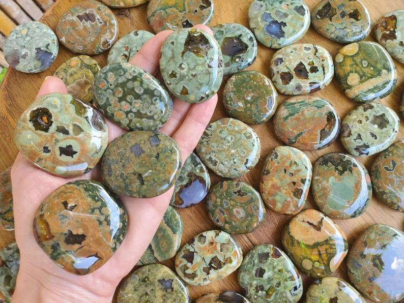 rhyolite_for_attracting_love