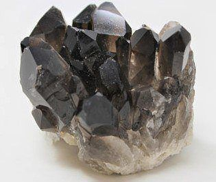 smoky-quartz-for-protection_remove_fear_anxiety_depression-from-negative-energy